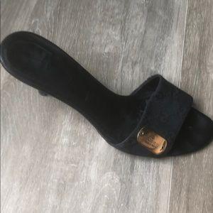 SEXY! Gucci kitten heels Black